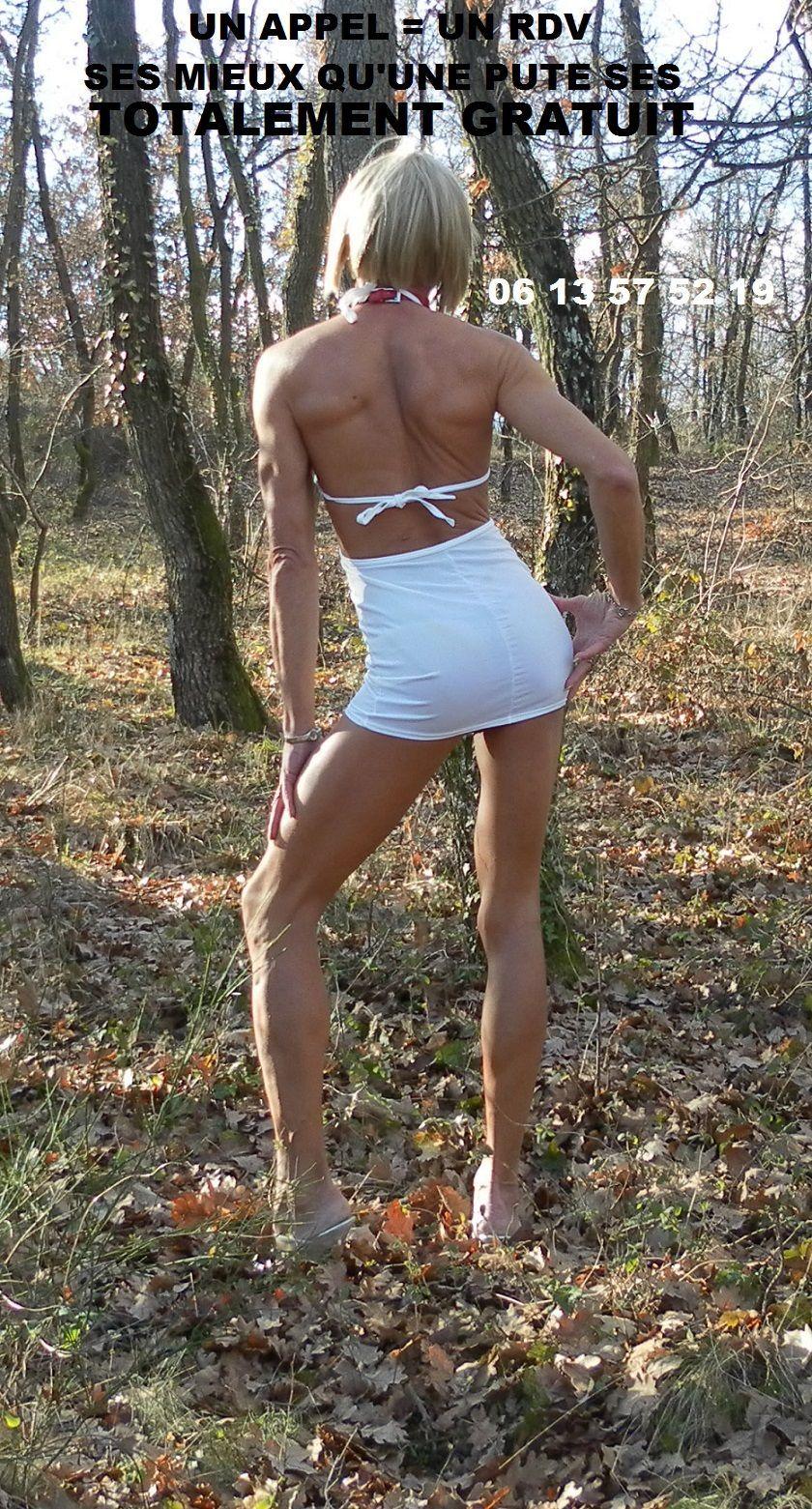nomi salope nue dans les bois